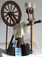 Spinning wheel and organic wool